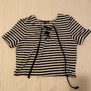 Cropped Tie Tee